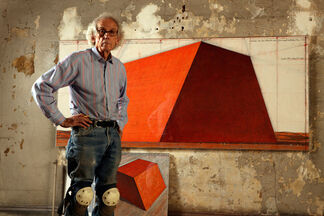 Christo & Jeanne-Claude: Barrels and The Mastaba 1958-2018, installation view