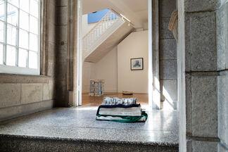 John Coplans, June Crespo, Florian Slotawa | Parentescos, installation view