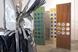 Chamberlain-Prouvé at Gagosian Gallery in collaboration with Galerie Patrick Seguin, installation view