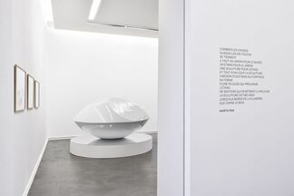 Sculptures flottantes, installation view