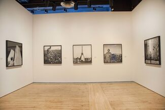 Tseng Kwong Chi: Performing for the Camera, installation view
