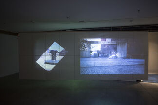 Two Pieces, installation view