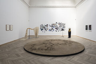 Rose English - The Eros of Understanding, installation view