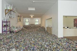 Too Too-Much Much - Thomas Hirschhorn, installation view