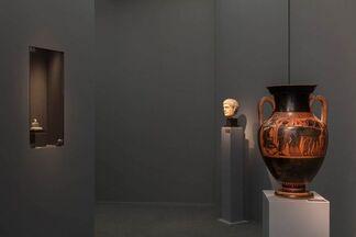 Phoenix Ancient Art at Frieze Masters 2016, installation view