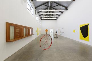 Iron & Diamonds - Thomas Grünfeld, Gary Hume, installation view