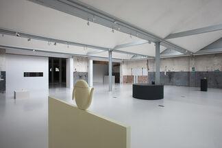 Containing Content - Aldo Bakker, installation view
