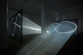 Anthony McCall: Face to Face, installation view