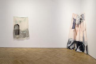 Isabel Yellin: Undulate, installation view