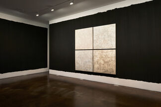 Gimhongsok: Blue Hours, installation view