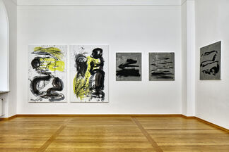 Ika Huber caractère gris, installation view