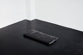 Fabian Knecht _UNG, installation view