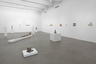 Kristen Morgin: The Super Can Man and Other Illustrated Classics, installation view
