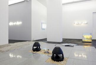 Brigitte Kowanz   Haroon Mirza »Dialogue: Light«, installation view
