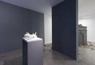 VICTORIA, installation view