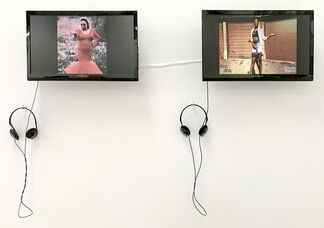 """APRIL BEY - """"Comply"""", installation view"""