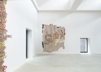 El Anatsui - Proximately, installation view