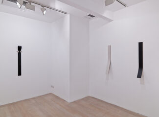 Lesley Foxcroft, Angles, installation view