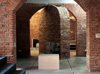 SOURCES GO DARK, installation view