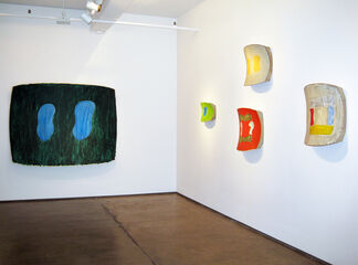 Ron Gorchov: Recent Paintings, installation view