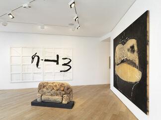 Jannis Kounellis, Arnulf Rainer, Antoni Tàpies, installation view