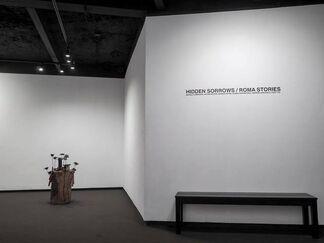 HIDDEN SORROWS/ ROMA STORIES, installation view