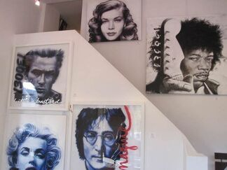 Tribute to Singers, installation view