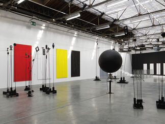 Takis: Champs Magnétiques, installation view