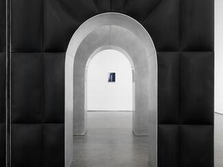 Dean Levin: Arches, installation view