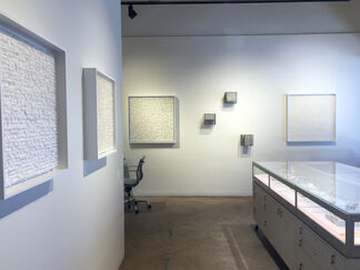 TEARING ROLLING FOLDING, installation view