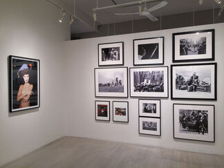 Harry Benson: Get the Picture, installation view
