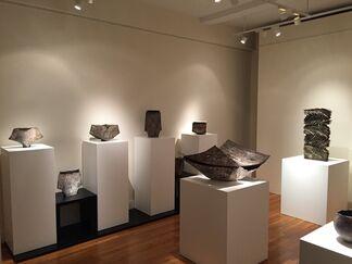 Surface Folds : Yukiya Izumita Clay Wares, installation view