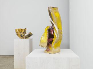 Lynda Benglis, installation view