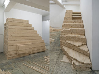 """""""Why You Should Clean Up Your Room or Why You Should Not"""" <왜 자기 방 정리를 해야 하는가 혹은 왜 하지 말아야 하는가>, installation view"""