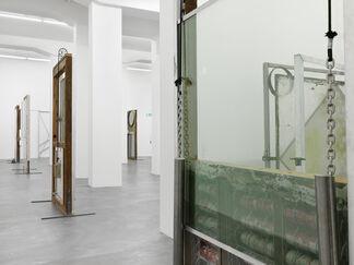 OSCAR TUAZON, SEE THROUGH, installation view