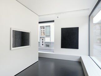 LARS CHRISTENSEN : Black/White/White/Black, installation view