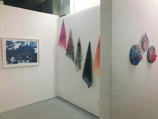 Kathy Robinson-Hays: traveling light, installation view