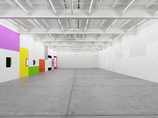 Gerwald Rockenschaub, bend it, installation view