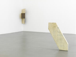 Lawrence Carroll - Back to the Cave, installation view