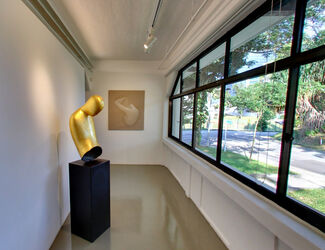 Oliviero Rainaldi: White on Black, installation view