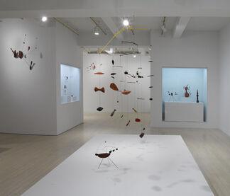 Calder: Constellations, installation view