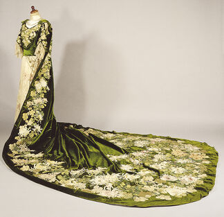 The Elegant Other: Cross-cultural Encounters in Fashion and Art, installation view