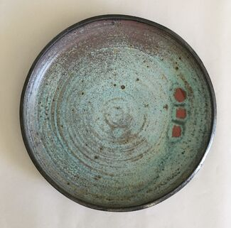 Ceramic Icons: Otto Heino and Beatrice Wood, installation view