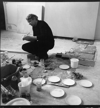 Raimund Girke In Between White, installation view