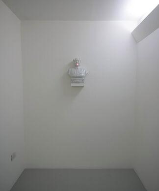Maurizio Mochetti, installation view