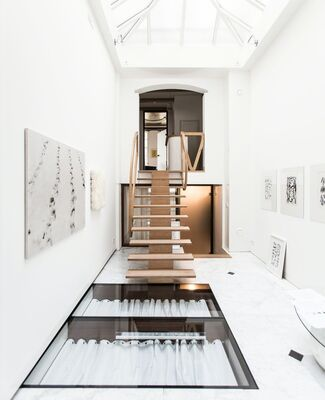 """21 of the Most Beautiful Drawings"": Jan Schoonhoven and Henk Peeters, installation view"