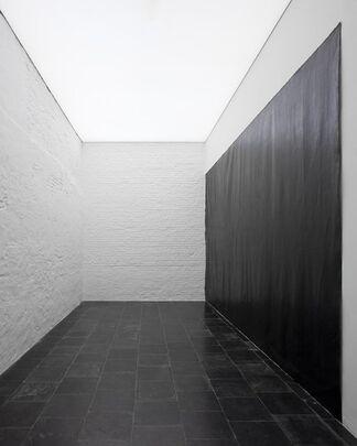 Richard Serra - Black is the Drawing, installation view