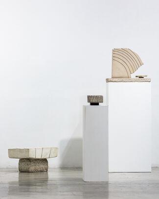Kim Lim: Sculpting light, installation view