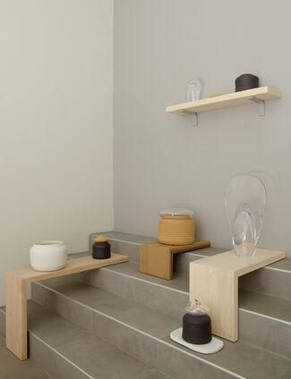 Äärillä, installation view