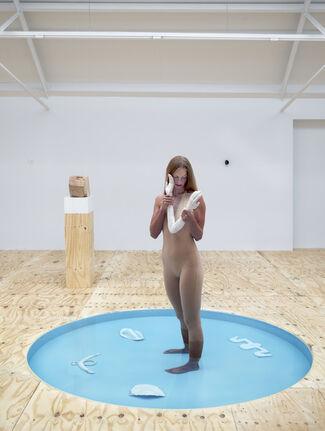Femmy Otten - Days Undressed, installation view
